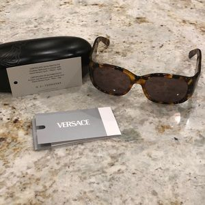 Versace Versace  sunglasses with authentication